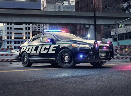 美警方启用新款警车 福特蒙迪欧-HYBRID